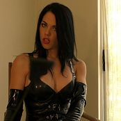 Young Goddess Kim Playing with My Pain toy Video 300120 mp4