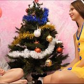 Fashion Dolls Mia and Angelica Christmas Special 2019 4K UHD Video 026a mp4