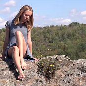 Petal Stone HD Video 409 060320 mp4