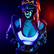 Meg turney Black Light Akali Picture Set