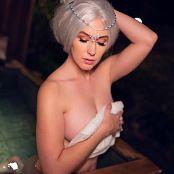 Meg Turney Winter Goddess Onsen 004