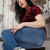 Goddess Alexandra Snow Sucks My Socks 1080p Video 300420 mp4
