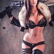 Danielle Beaulieu Squall Boudoir Picture Set