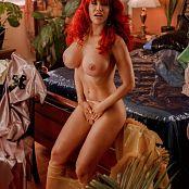 Bianca Beauchamp Pouncing Love Picture Set