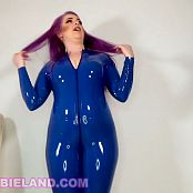 LatexBarbie Goon Out for Latex Ass Video 220520 mp4
