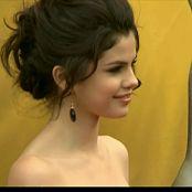 Selena Gomez 2011 12 29 Selena Gomez Demi Lovato E News 1080i HDTV DD2 0 MPEG2 TrollHD Video 250320 ts