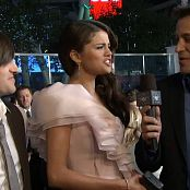 Selena Gomez 2011 01 05 Selena Gomez the Scene on the Red Carpet E Peoples Choice Awards Video 250320 mp4