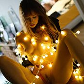 Ariel Rebel Light Bulbs Picture Set 002