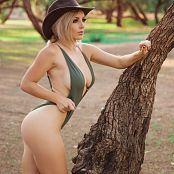 Jessica Nigri Green Desert 003