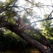 Madden Climbing Wood HD Video 190820 mp4