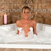 Madden Remastered Set 1928 MaddenBubbleBath0044 lg hq upscale