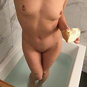 Ariel Rebel In The Bath 010p5kZs