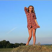 TeenModelingTV Alice In The Country Picture Set