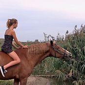 PilGrimGirl Horse Backstage Video 300920 mp4