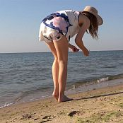 PilGrimGirl Pictures At The Sea Video 201020 mp4