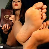 Ceara Lynch Holy Feet Video 191020 mp4