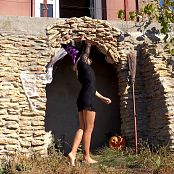 PilGrimGirl Wild Kitty Halloween Video 041120 mp4