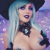 Jessica Nigri Busty Witch 027