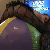 Kitty Kat Ride The Balloon Video