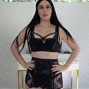 Meg Turney OnlyFans Lingerie Try On Haul 4 HD Video 061220 mp4