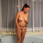 Christina Model OnlyFans Bathroom Tease Video 201220 mp4