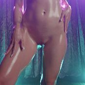London Lix Explicit Naked Oil Imagination Driver Video 221220 mp4