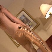 kitty kat dance in gold pants video 251220 wmv