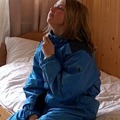 PilGrimGirl Winter In Mountains Yellow and Blue Video 006 240121 mkv