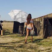 Selena Gomez 2016 04 13 Go Behind the Scenes at Selena Gomezs Sexy GQ Photo Shoot Video 250320 mp4