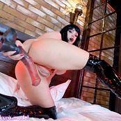 Octokuro OnlyFans Slutty Vampirella Loves Horse Dildo HD Video 140221 mp4