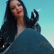 Young Goddess Kim Mutts Walk Video 200321 mp4