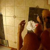 妮基·西姆斯浴缸假阳具未切割高清视频 280321 MP4
