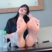 Young Goddess Kim   Beneath Barefoot Perfection Video mp4