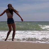 Cinderella Story OnlyFans Juliet Summer Wild Beach Video 002 210421 mp4