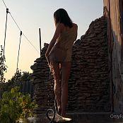 Cinderella Story OnlyFans Juliet Summer Shower Video 001 220421 mp4