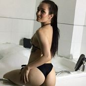 Laurita Vellas OnlyFans Bath Tub Video 120521 mp4