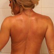 Madden Bare Back Blonde Curls HD Video 190521 mp4