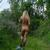 Madden No Bra And Boots 091