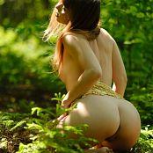Ariel Rebel Dans Les Bois Set 002 015
