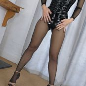 Young Goddess Kim On the Edge for Pantyhose Perfection Video 170721 mp4