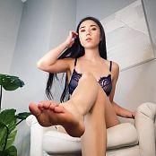 Princess Miki At stepMommys feet Video 270721 mp4