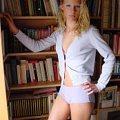 Caroline Model Set 007 003