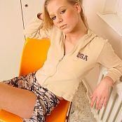 Caroline Model Set 016 006