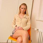 Caroline Model Set 016 010