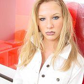 Caroline Model Set 020 018