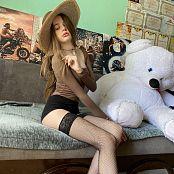 Viktoria Aftanas Brown Hat 011