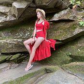 Viktoria Aftanas Red on Red 009