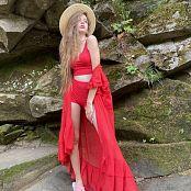 Viktoria Aftanas Red on Red 026