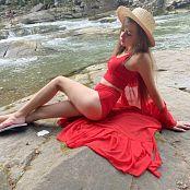 Viktoria Aftanas Red on Red 029
