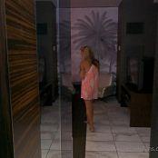 Christina Model OnlyFans Voyeur Clothe Change Video 300921 mp4